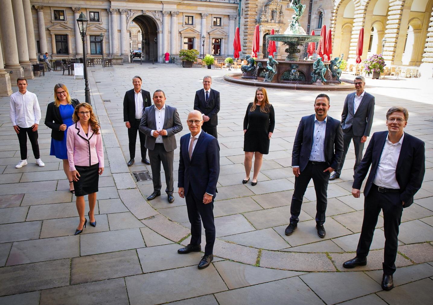 Peter Tschentscher und die Abgeordneten aus Hamburg-Mitte